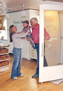 Qube-home-lift-in-kitchen1